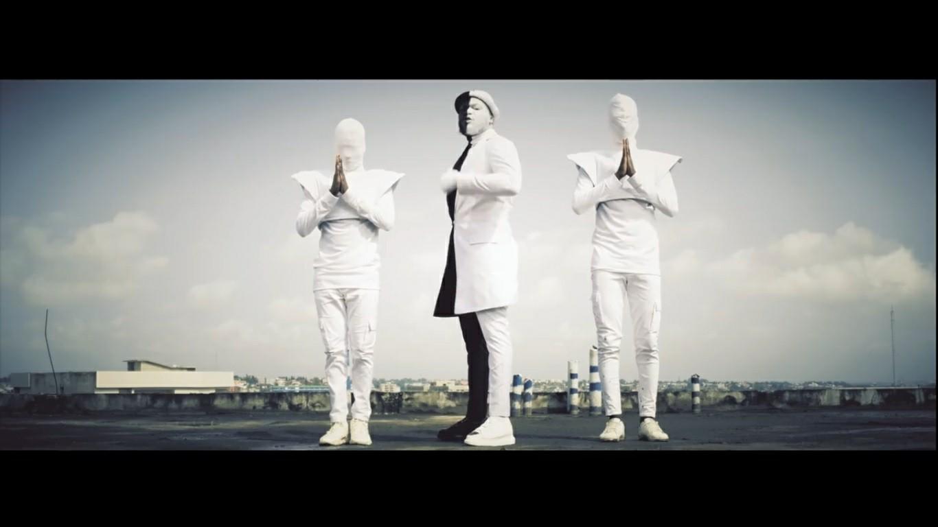 Dj Mix - 3 fois saint (Clip Officiel)
